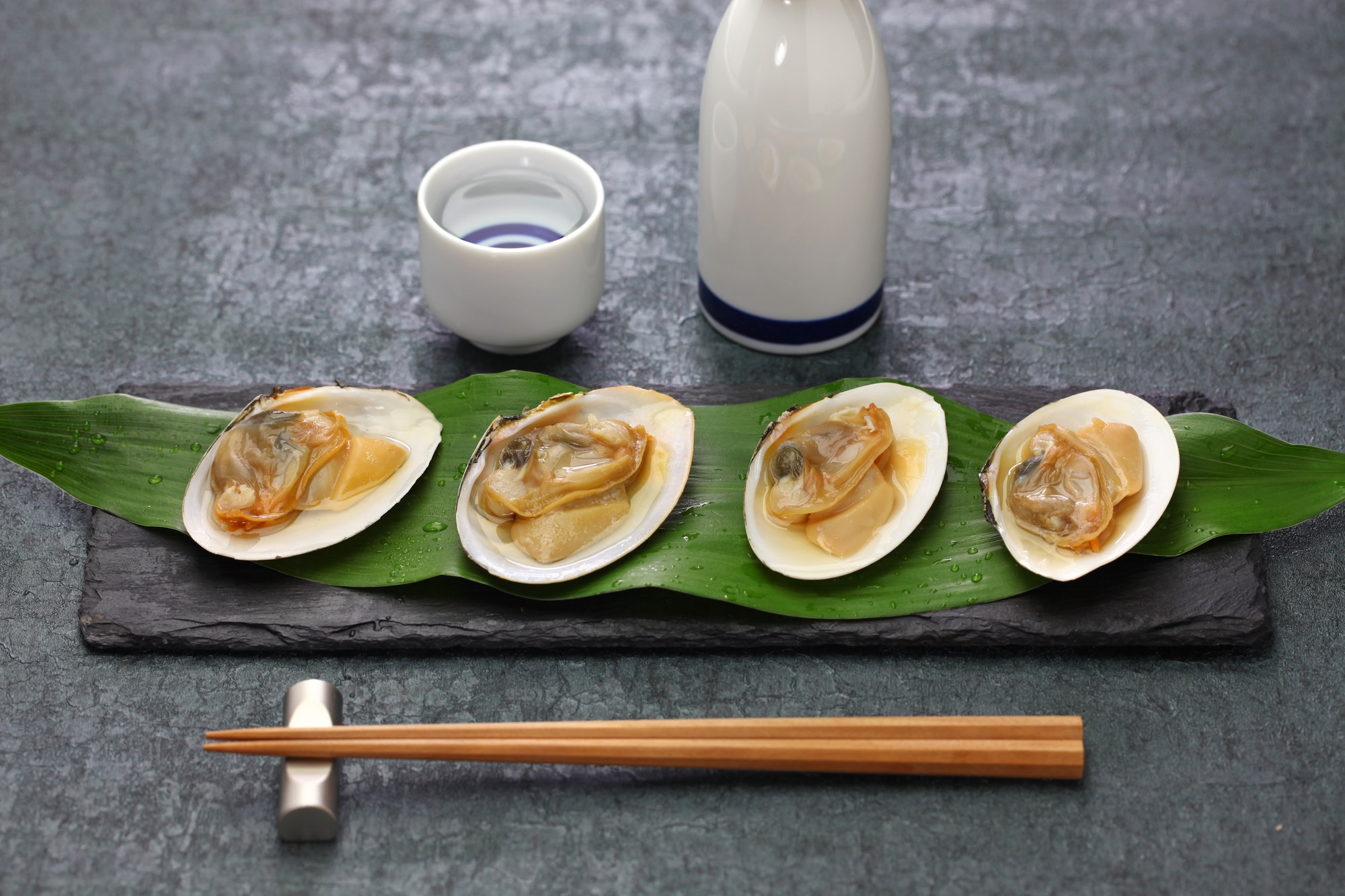 steamed-saragai-northern-great-clams-with-sake-japanese-cuisine.jpg