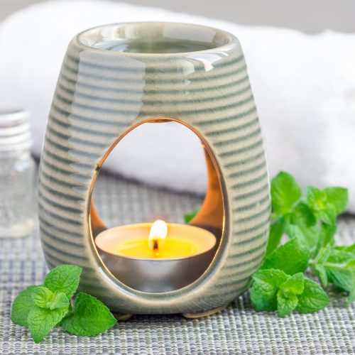 peppermint-essential-oil-in-aroma-lamp-square-format.jpg