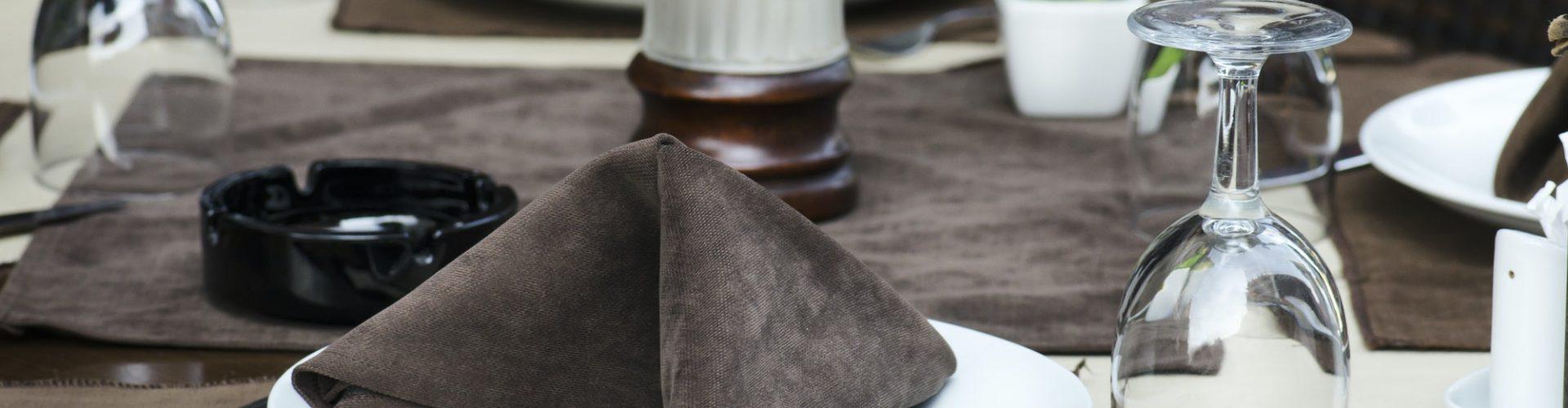 restaurant-table-1.jpg